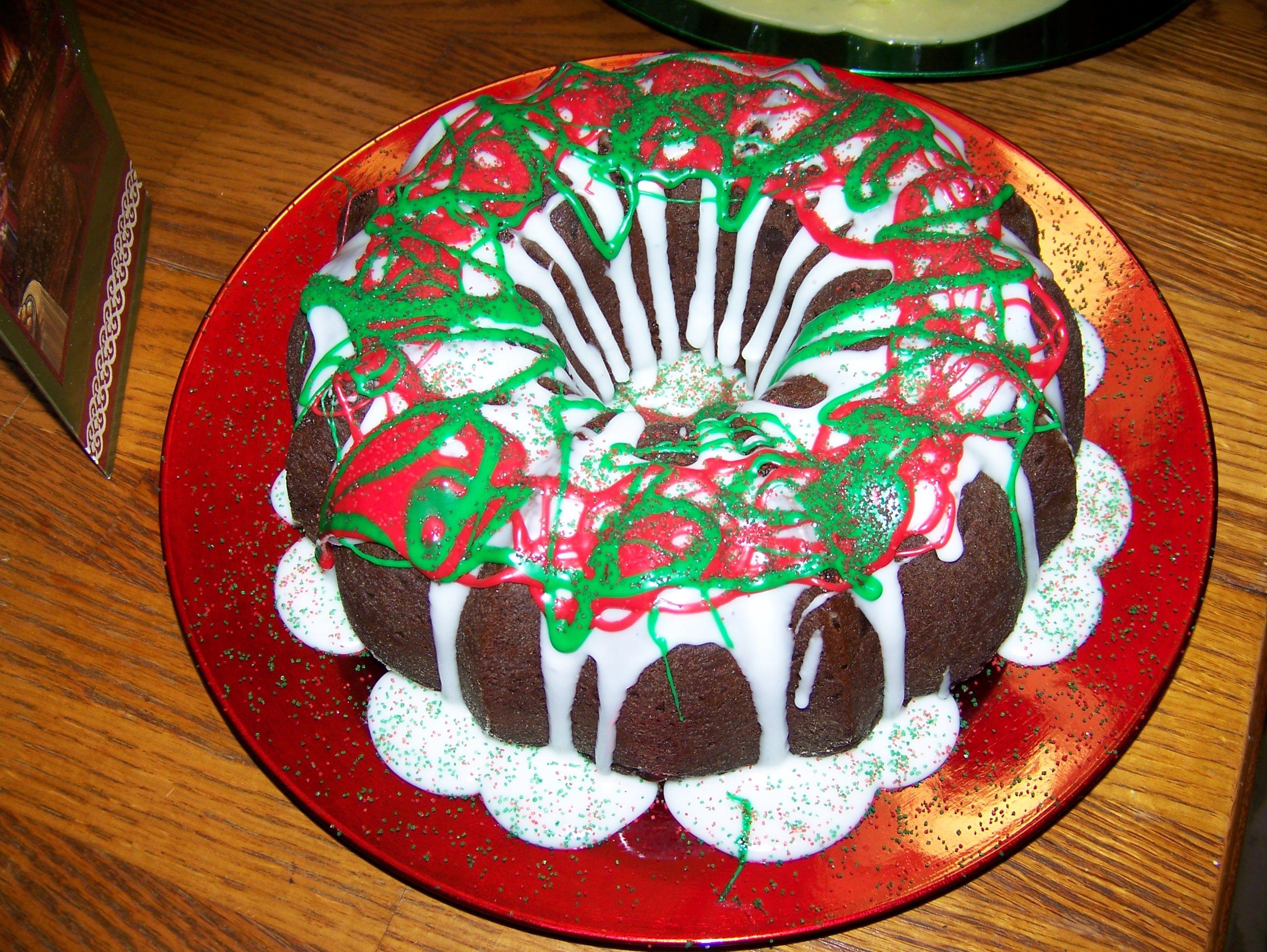 Christmas Bundt Cake Images : Christmas Bundt Cake Bake Sale Pinterest