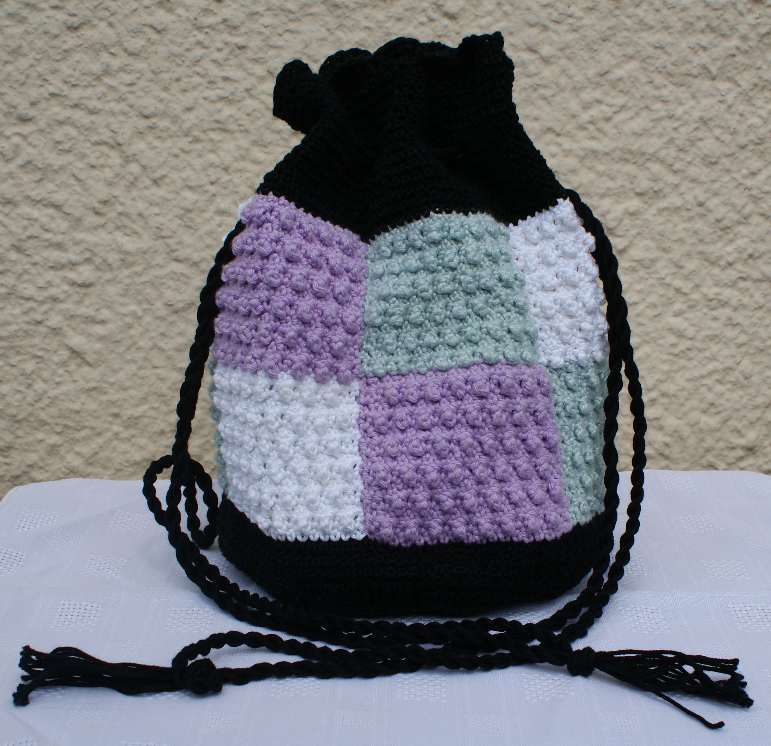 Crochet Drawstring Bag : Crochet drawstring bag Crochet bags Pinterest