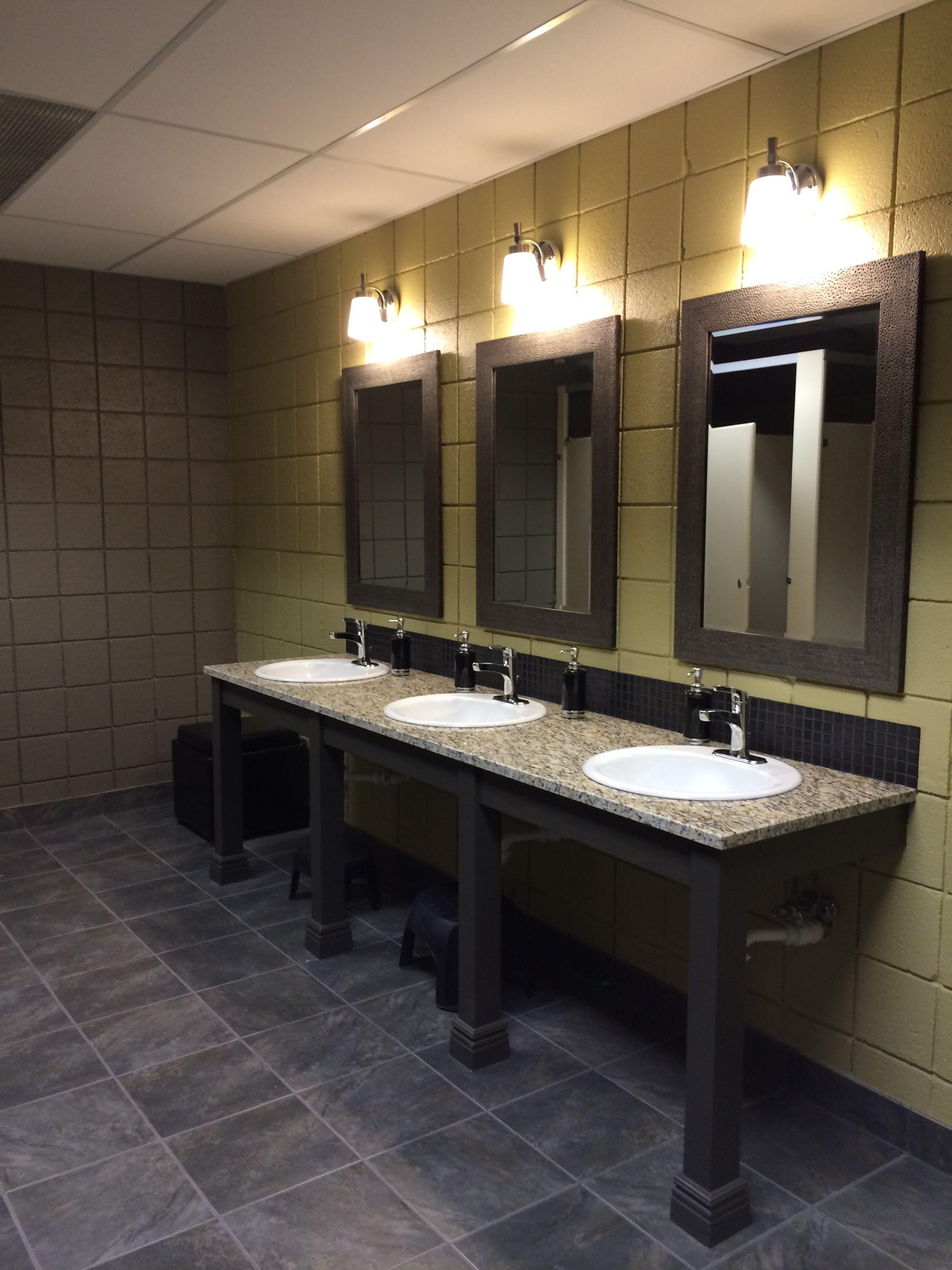 Mens bathroom decorating ideas specs price release for Mens bathroom designs
