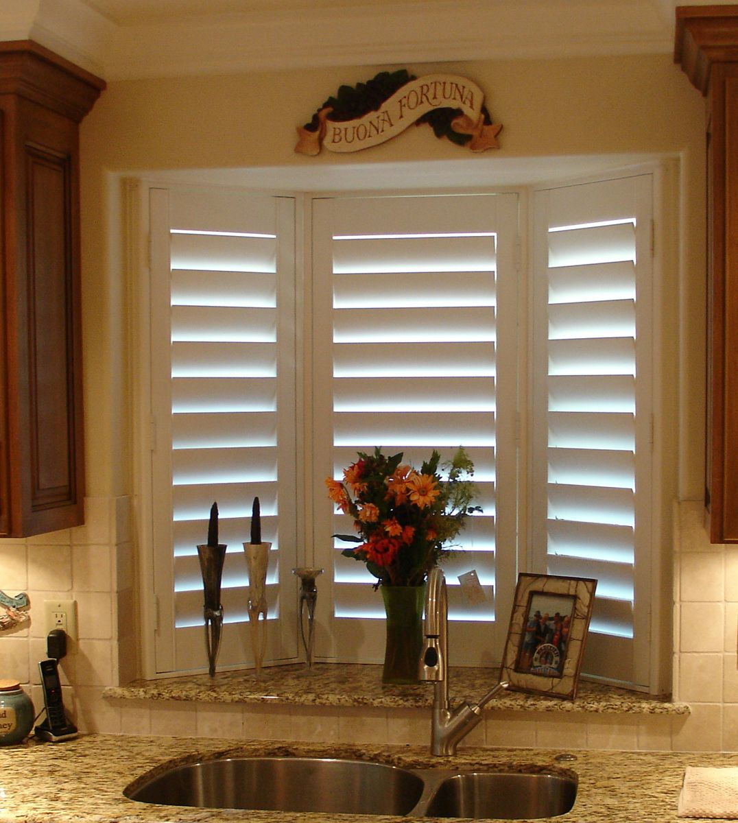 Kitchen Bay Window W Shutters For Our Home Pinterest