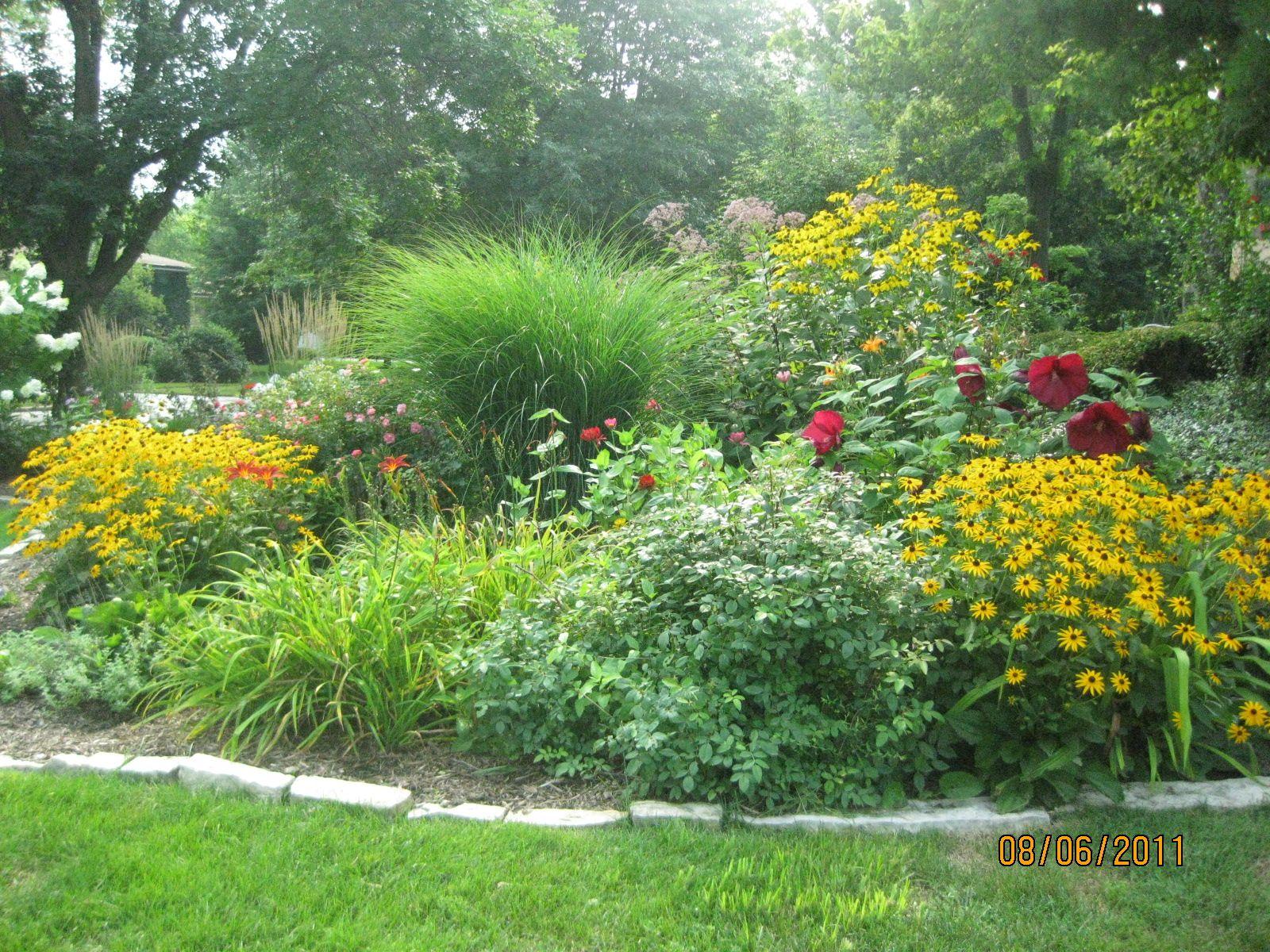 My perennial garden gardening pinterest for Landscape gardening for small gardens