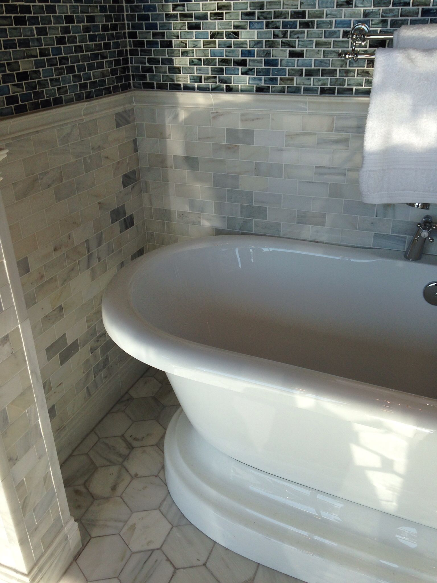 Marble w stand alone tub for the home pinterest for Stand alone bath tubs