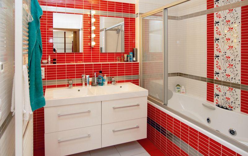 Small red bathroom home decor amp living ideas pinterest