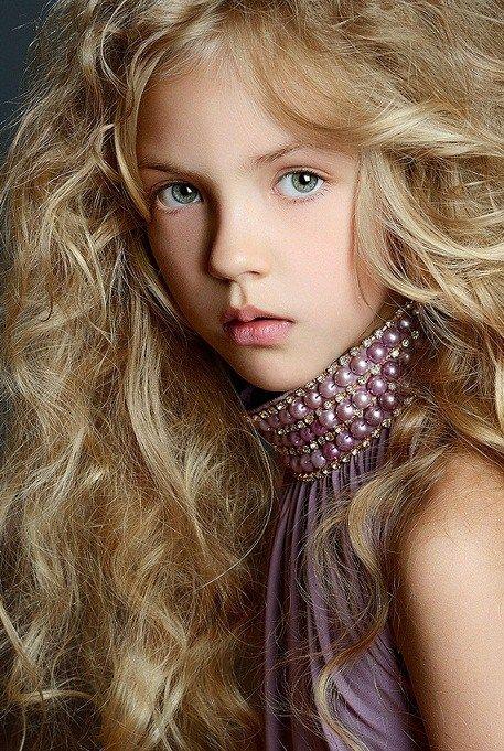 Karina Egorova, a Russian child model. | Jolis minois... | Pinterest