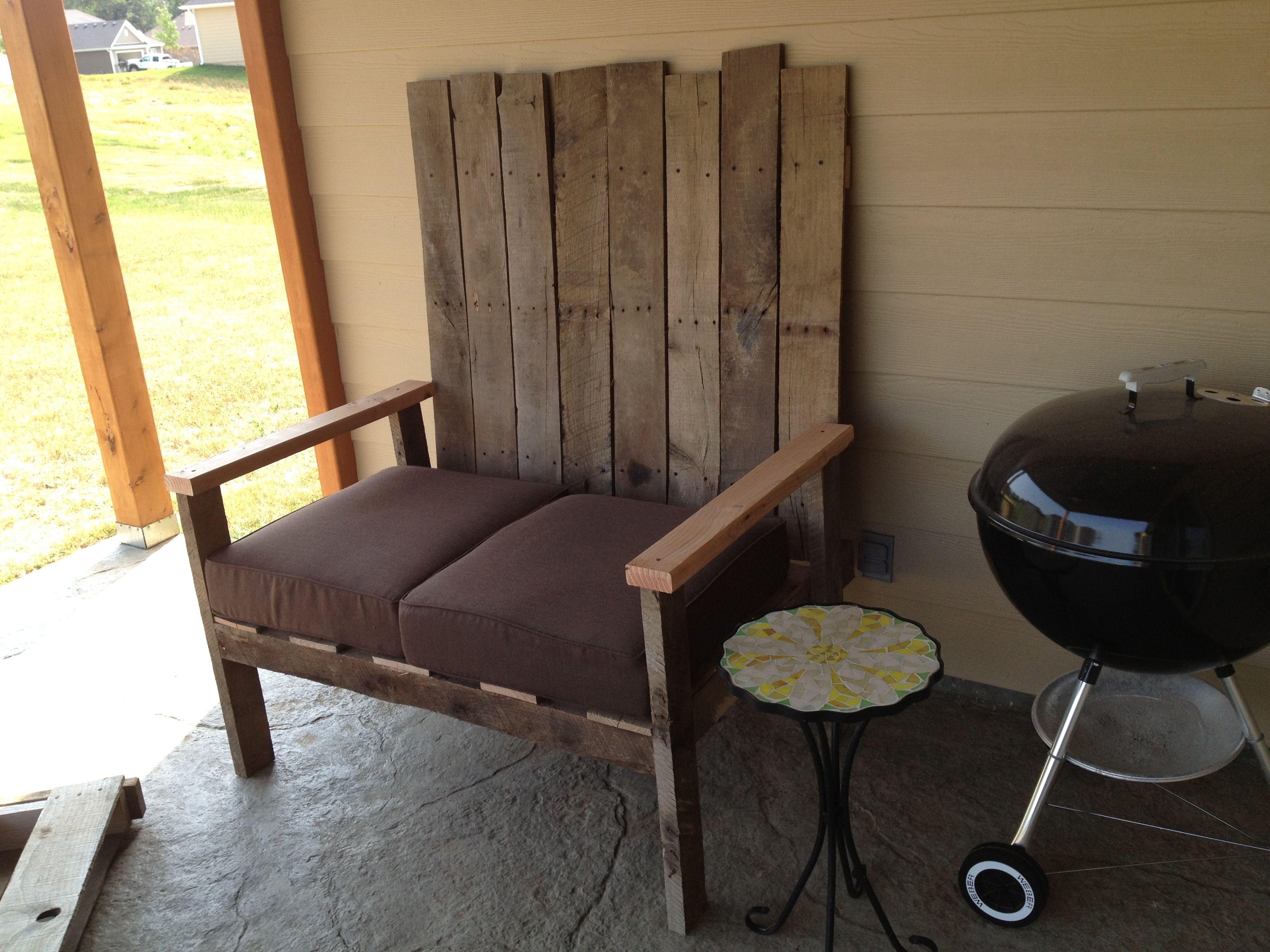 Diy pallet patio furniture pallets pinterest