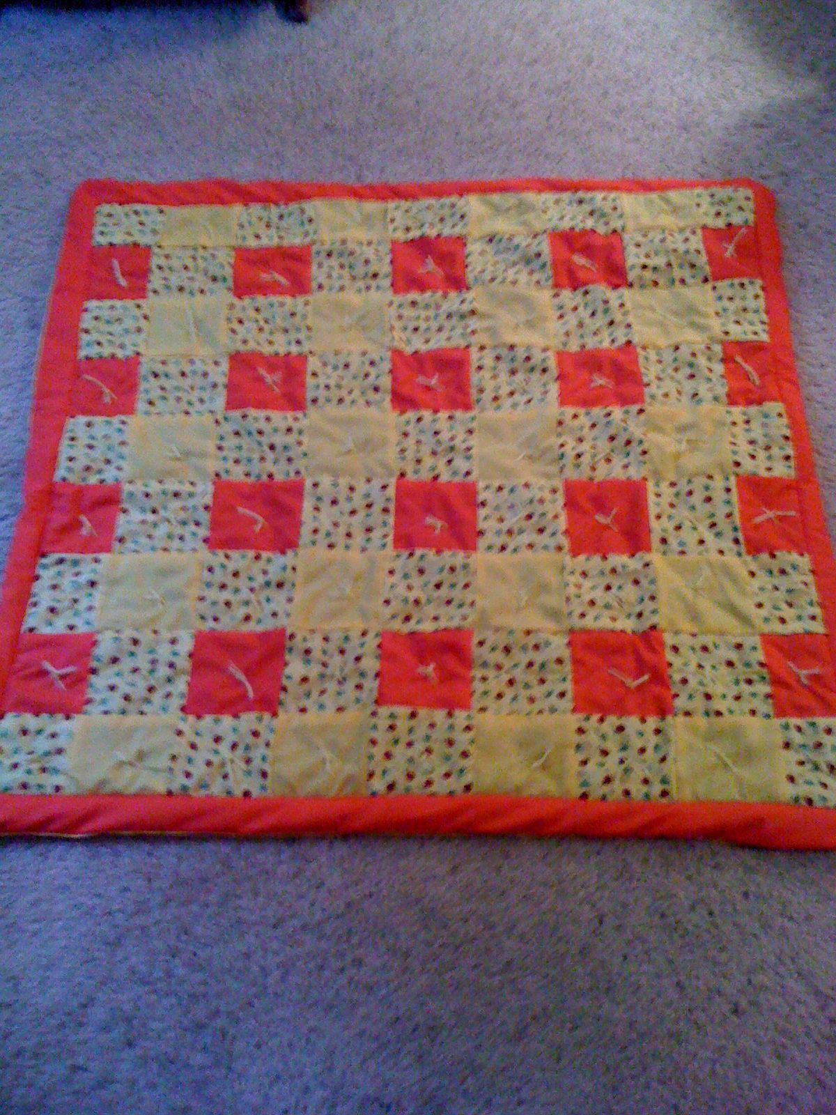 Ladybug baby floor mat shelly 39 s custom quilt 39 s and more for Floor quilt for babies