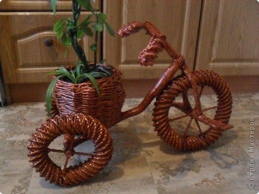 Кашпо велосипед из газетных трубочек мастер класс