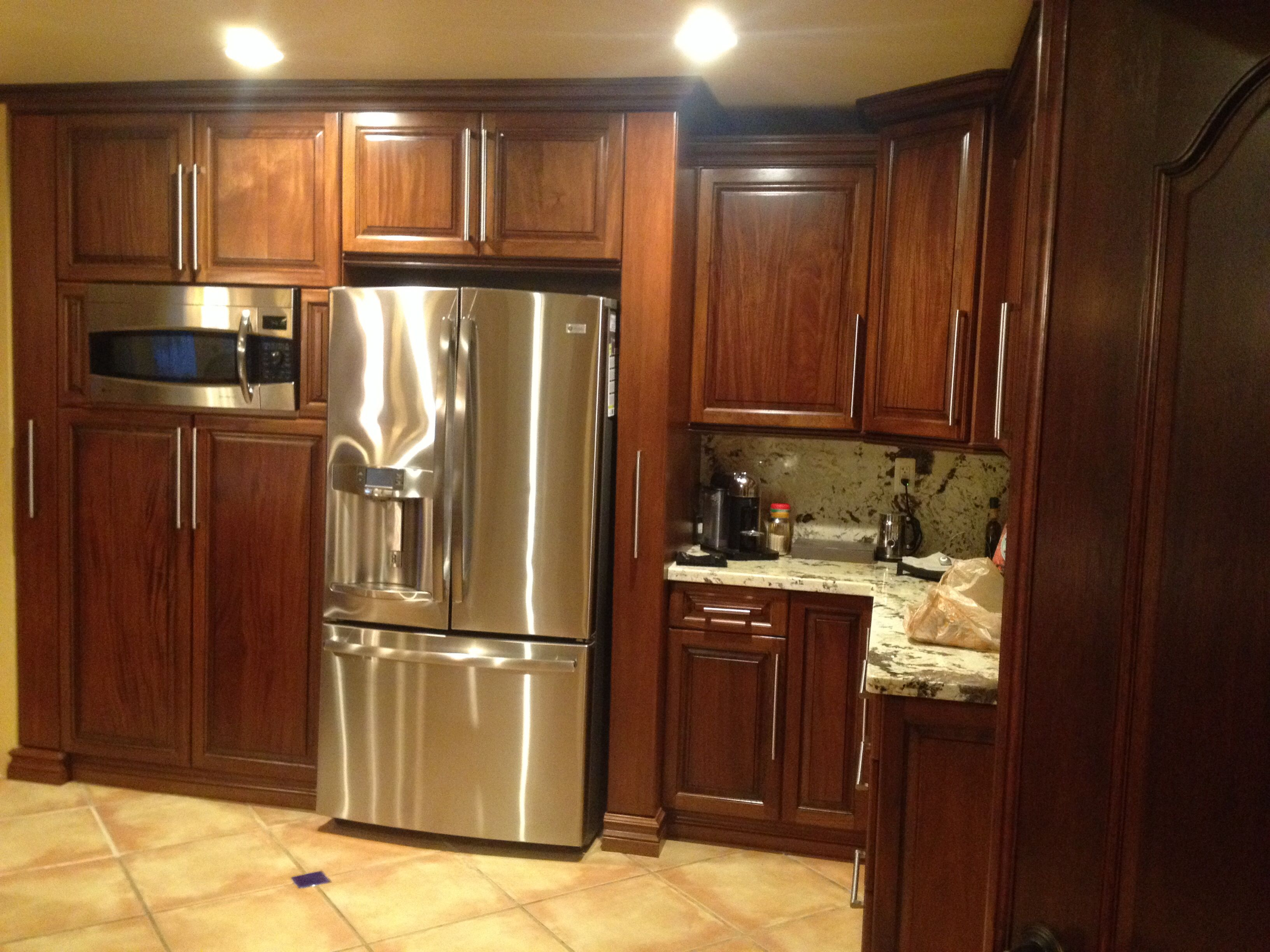Dark mahogany kitchen cabinets Kitchen design mahogany cabinets