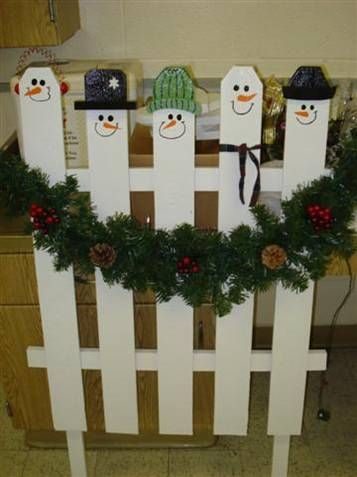 Snowman picket fence christmas crafts snowmen pinterest for Fence ornaments ideas