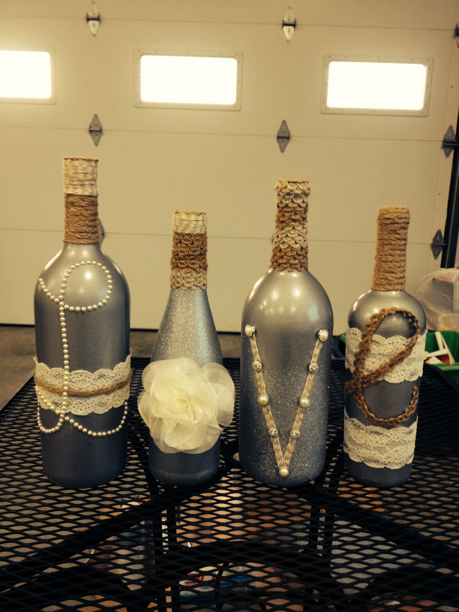 Spray paint wine bottles and glue away tips tricks and for Paint bottles with tips