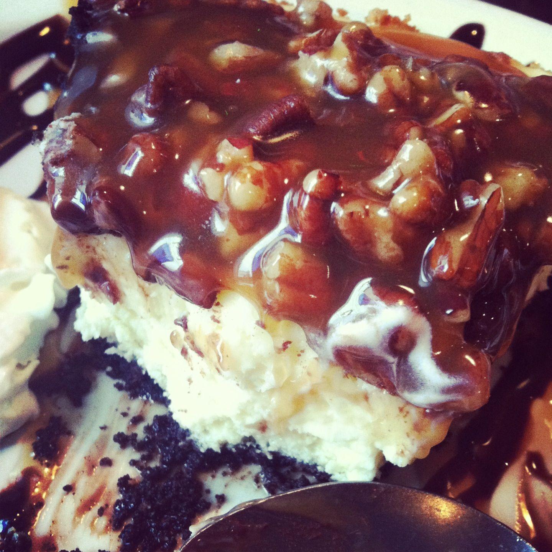Chocolate Turtle Pecan Cheesecake | Desserts | Pinterest