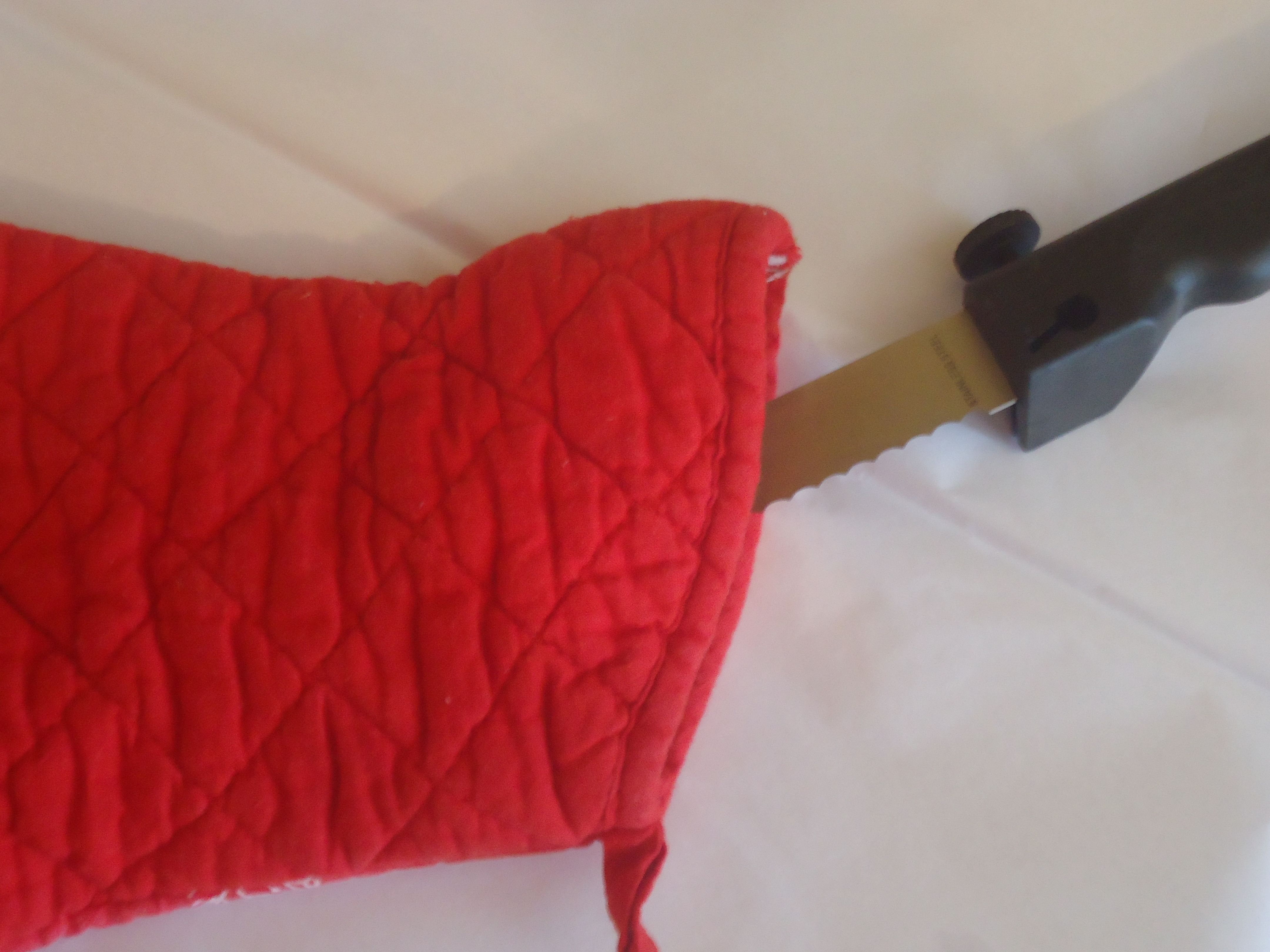 Love this tip on packing knives using pot holders! Love this tip and all the others on this blog.