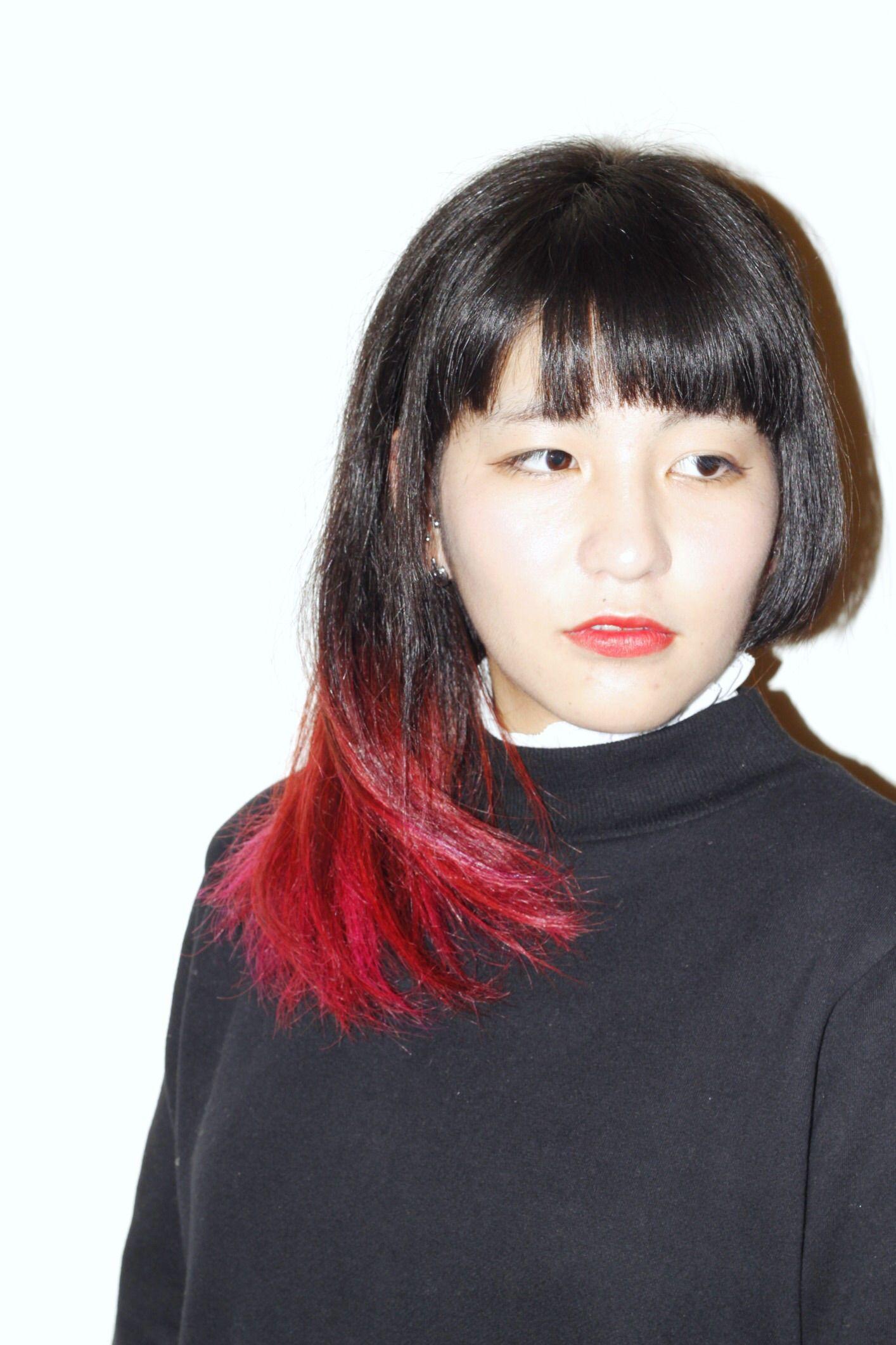 ミディアム アシンメトリー 髪型 女性