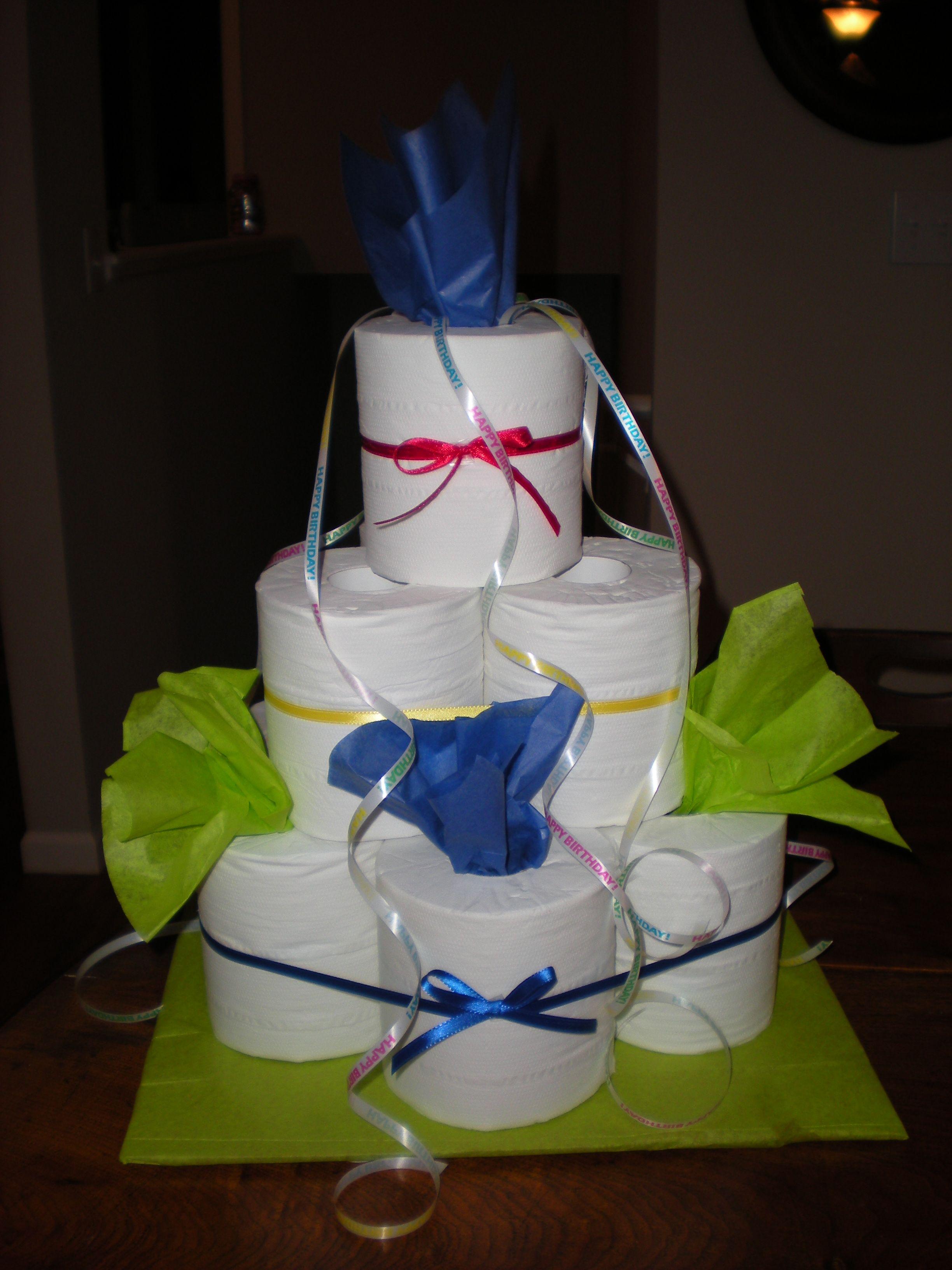 Торта от тоалетна хартия