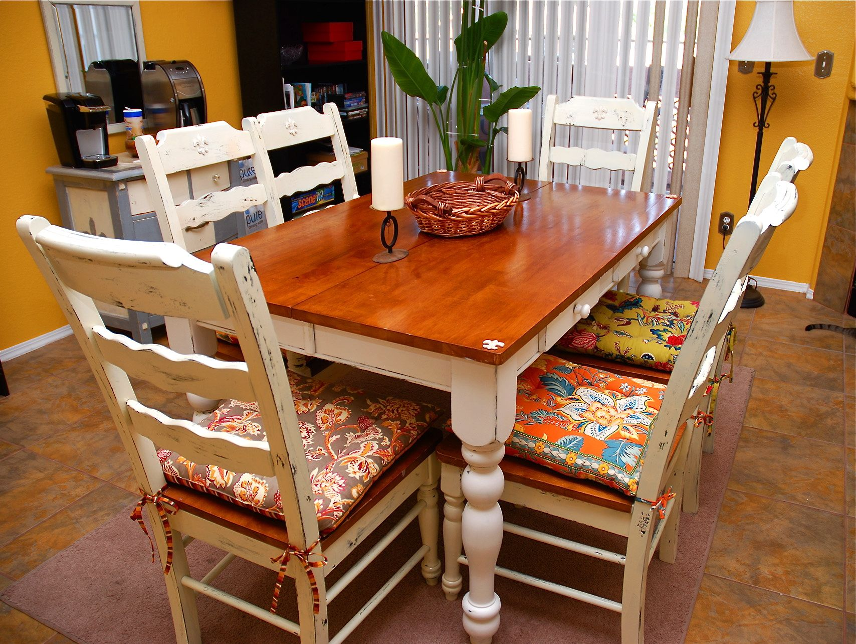 7 amazing shabby chic dining room set tierra este 49750 for Chic dining room sets
