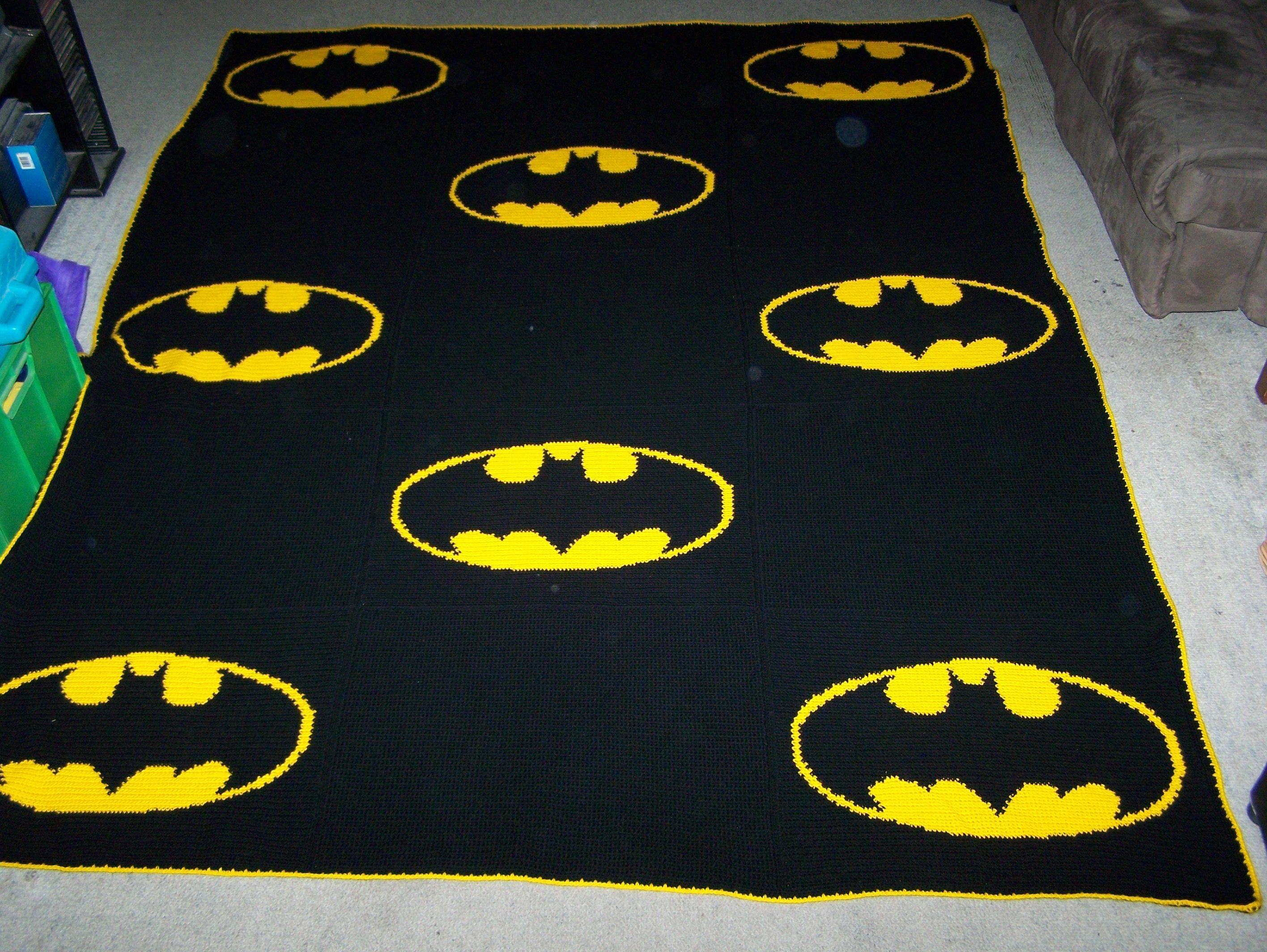 Knitting Pattern For Batman Blanket : Crochet Batman Blanket Take 2 Heklerier Pinterest
