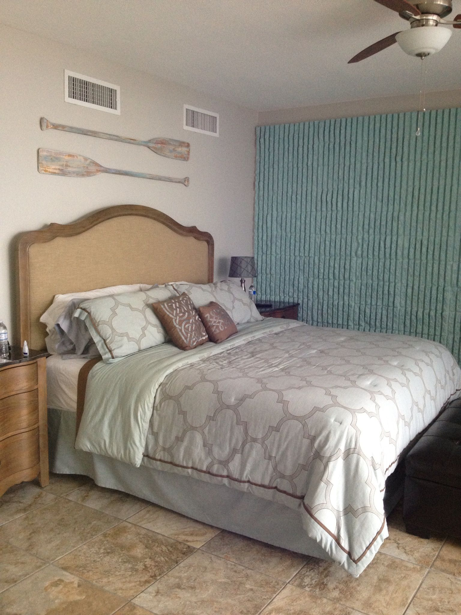 Oars Over Master Bedroom 39 S King Size Bed Coastal Decor Pinterest