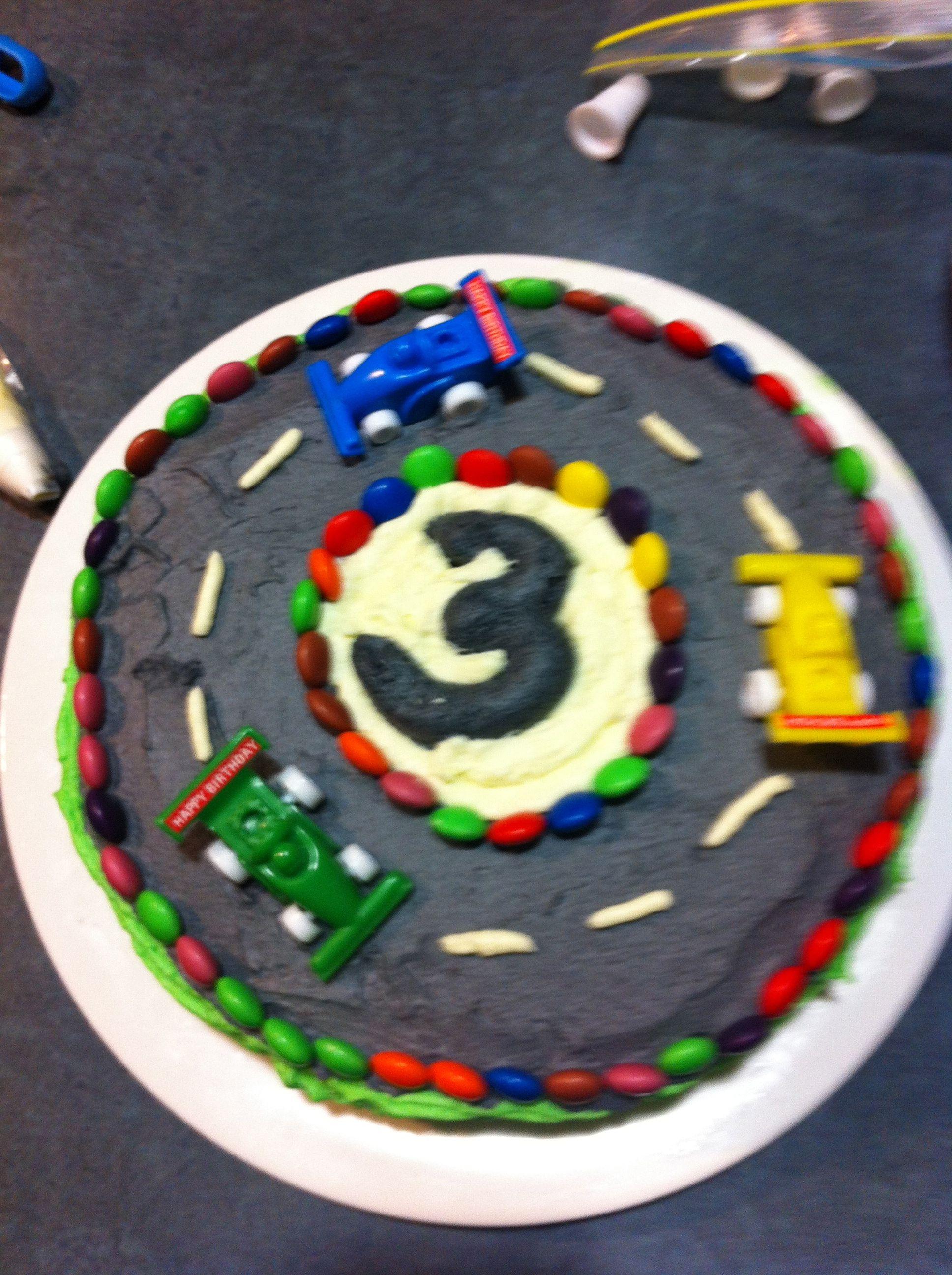 Cake Decorating Car Race Track : Racing car track cake Birthday Party Ideas Pinterest