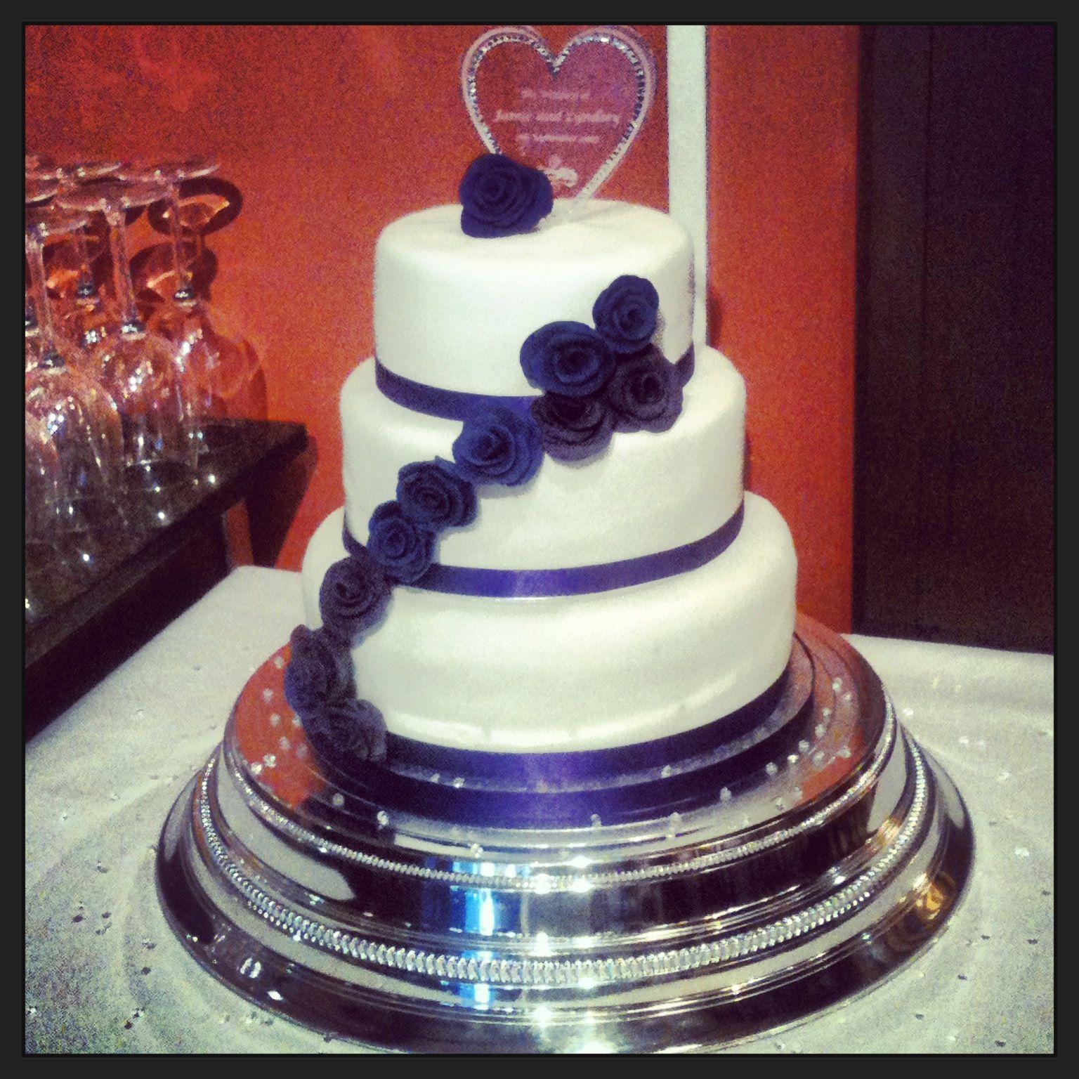 Pin Cadburys Purple Is Very Popular For Weddings This Year Wallpaper Cake On Pinterest
