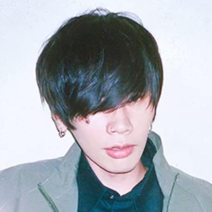 米津玄師 髪型 後ろ