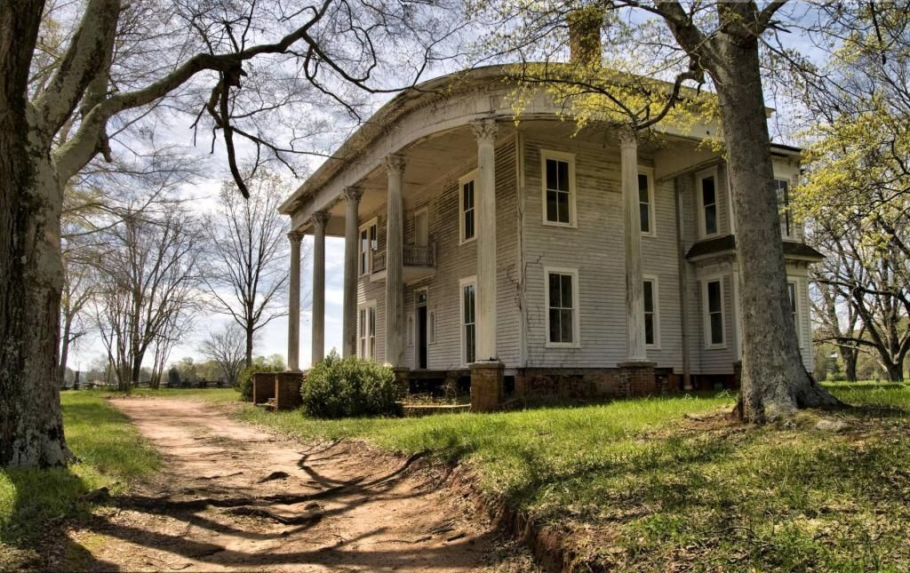 Plantation house abandoned two pinterest for Plantation house