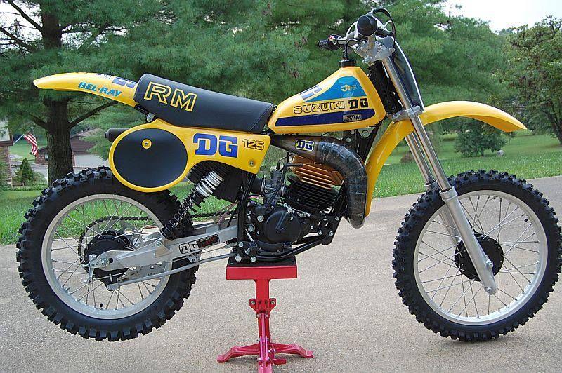 CALKOVSKY Vintage Motocross Suzuki Dirt Bikes