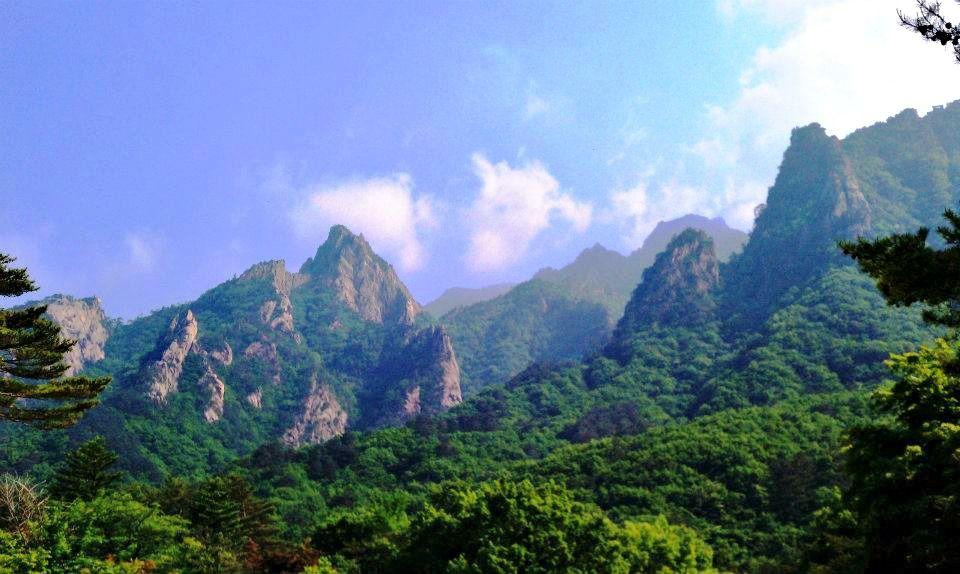 Seoraksan Mountain South Korea Beautiful Places In The World Pin