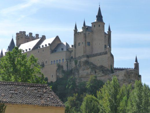 ShareKing Ferdinand And Queen Isabella Castle