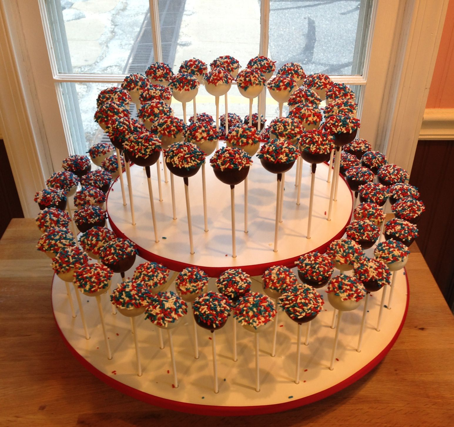 Red, White and Blue Cake Pops | Patriotic Stuff | Pinterest