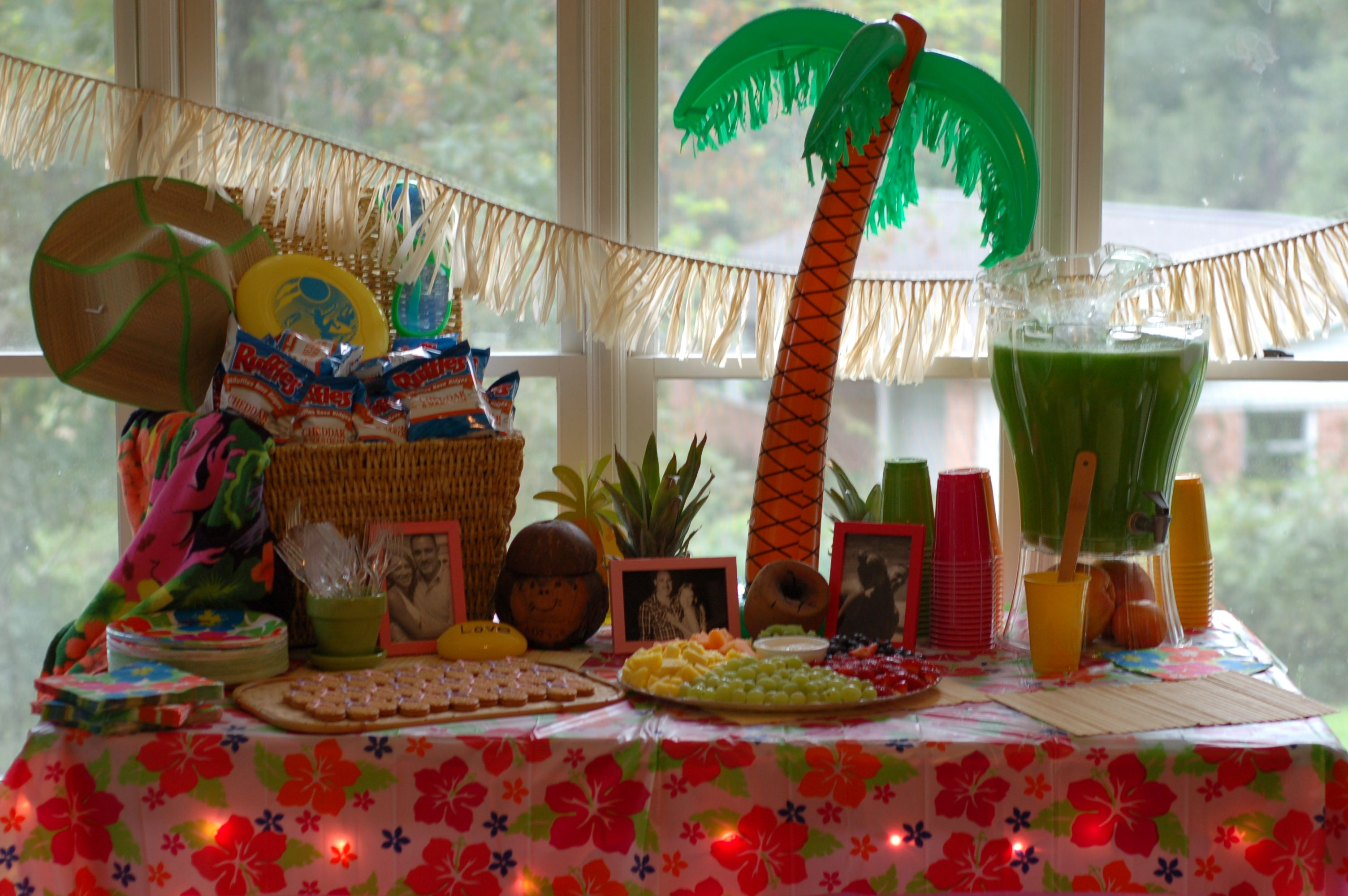 Beach theme party hawaiian theme party pinterest - Themes for a th birthday party ...