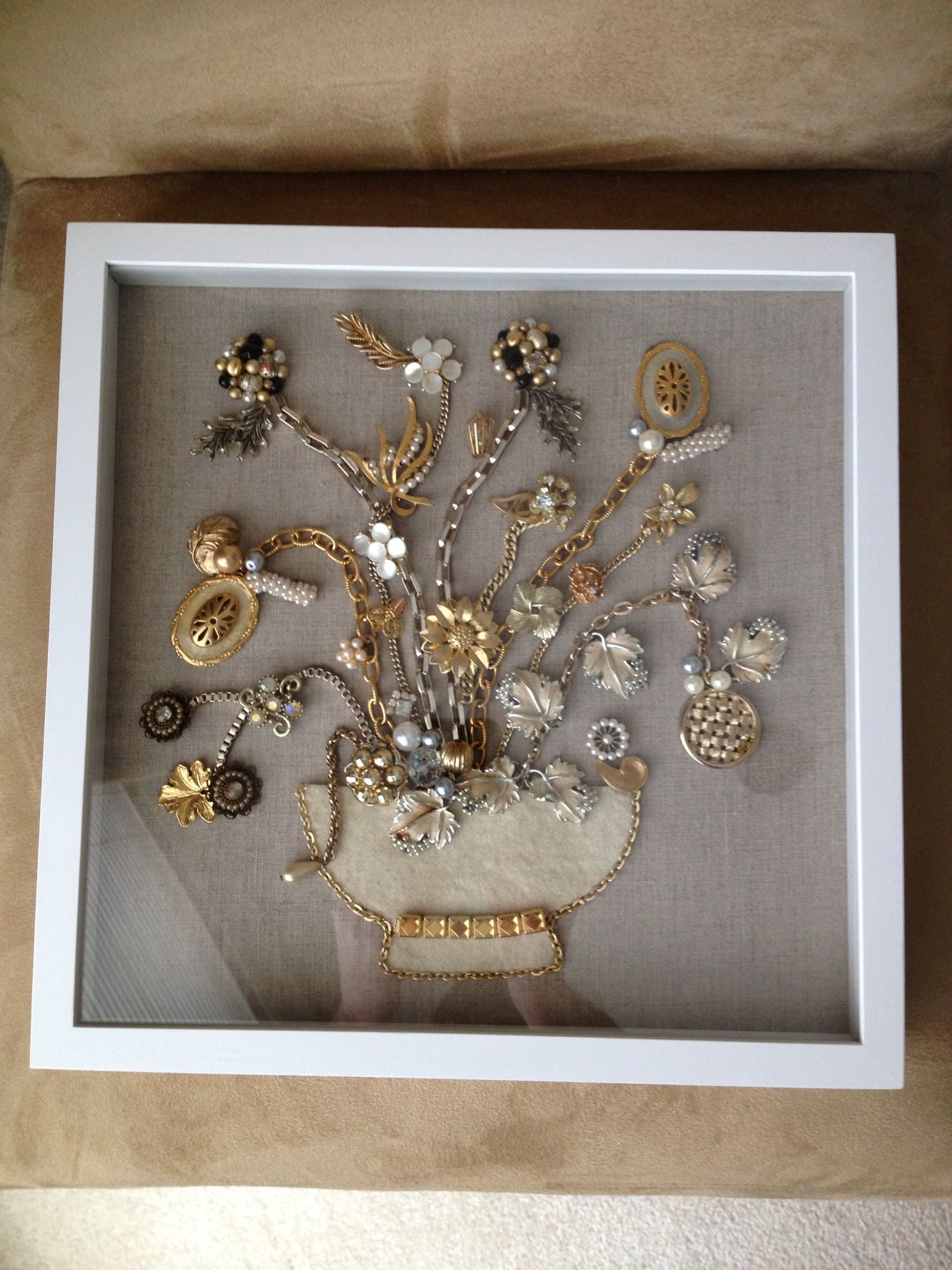 shadow box display of vintage jewelry craft ideas