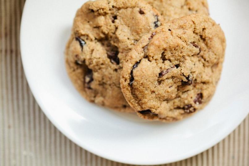 CHERRY, ALMOND CHOCOLATE CHIP COOKIES | Food | Pinterest