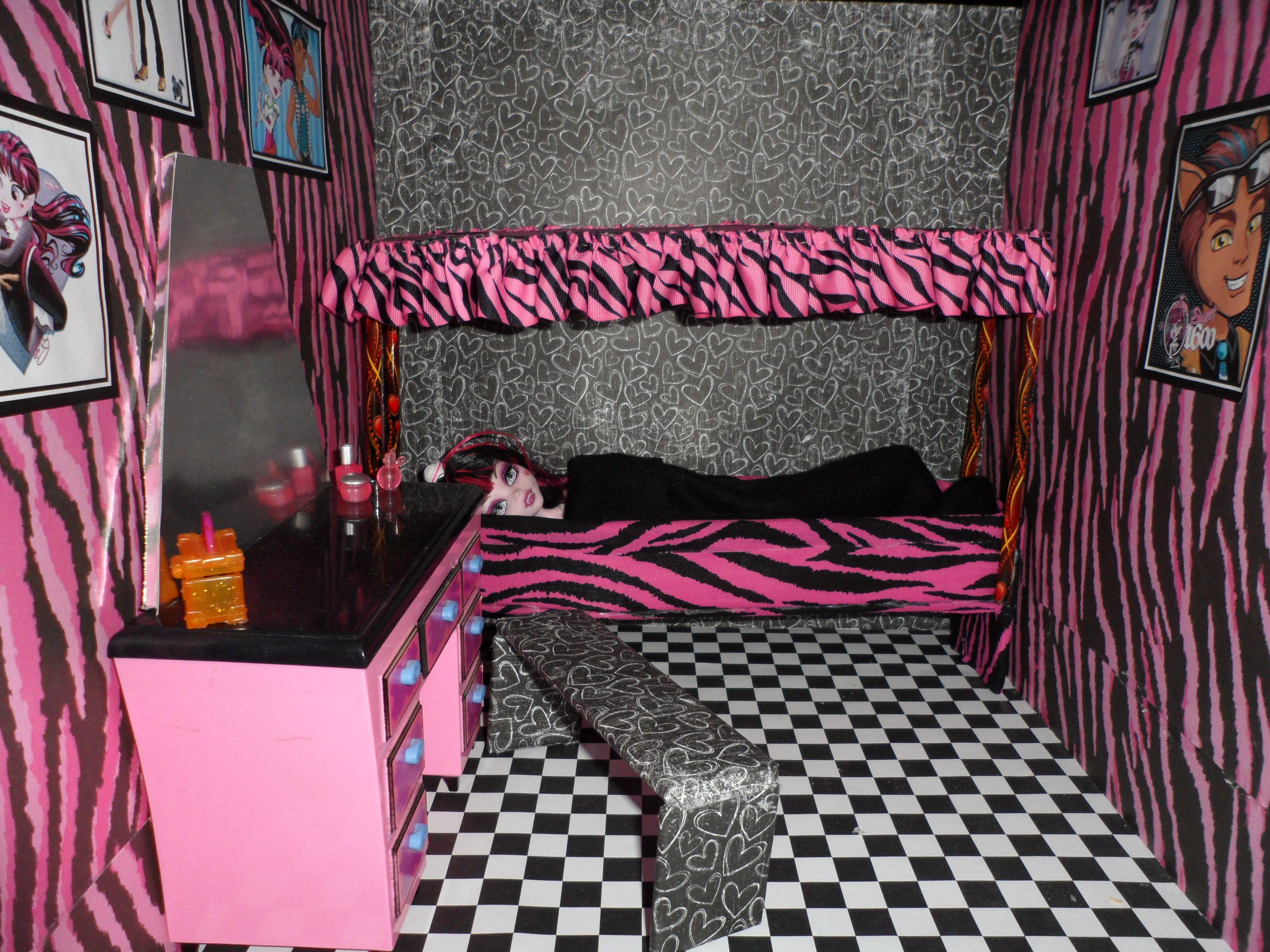 Monster High Bedroom Decorations Similiar Monster High Room Keywords