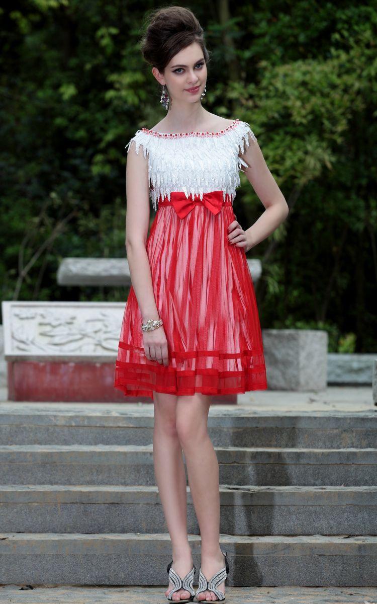 Красное с белым платье