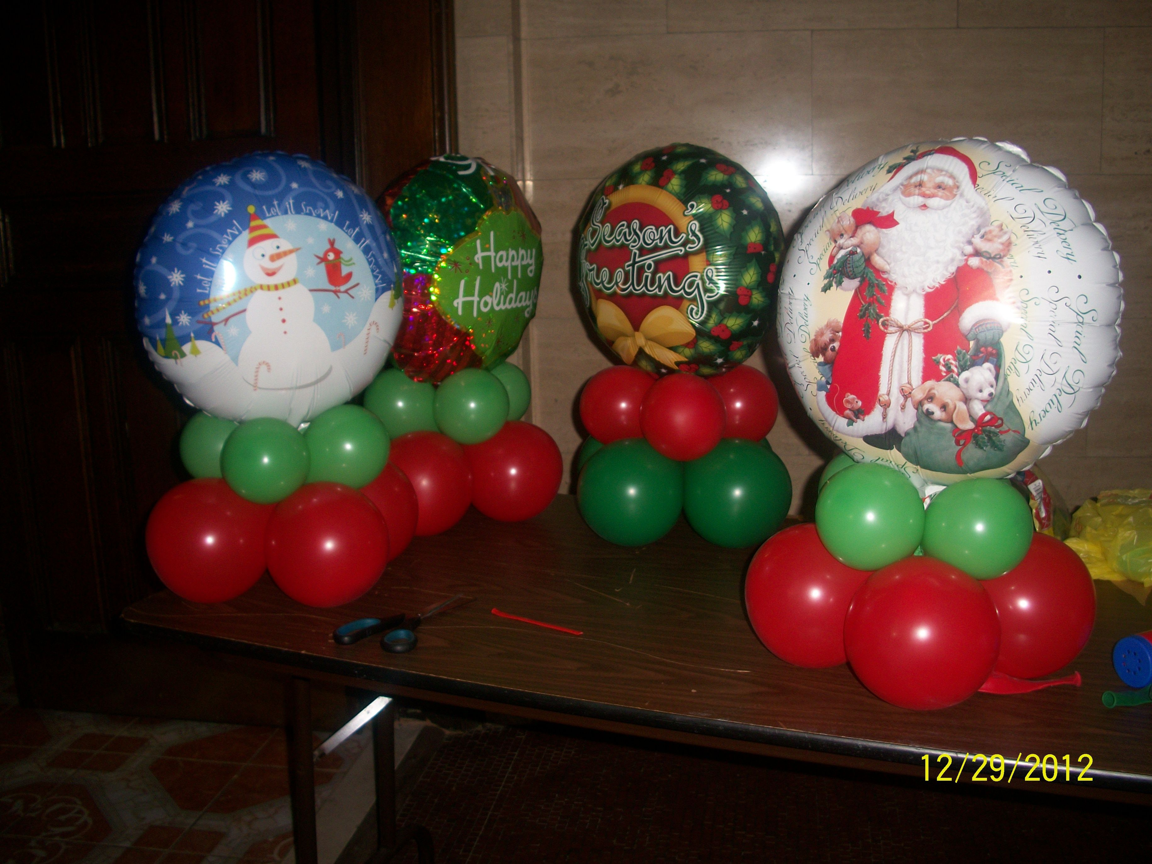 Balloon centerpieces christmas pinterest