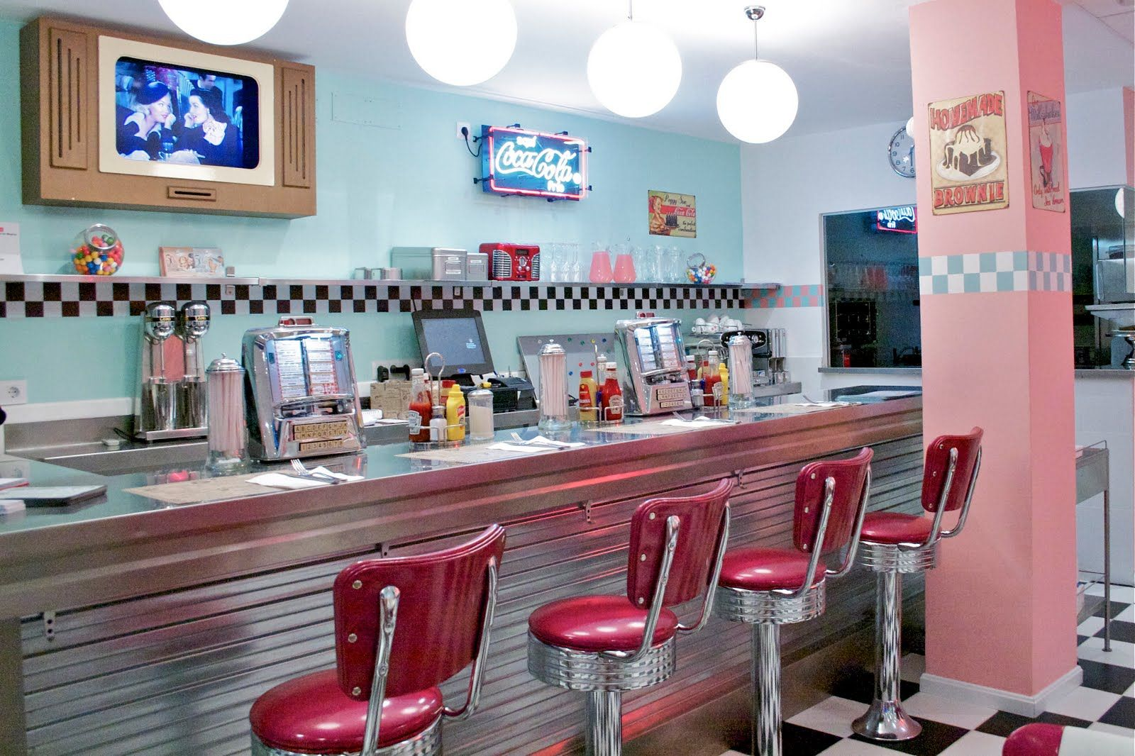 American diner grease party pinterest for Interiores de restaurantes