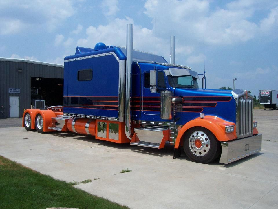 sleeper trucks with bathrooms 1000 ideas about ford f650 on pinterest ford trucks kenworth. Black Bedroom Furniture Sets. Home Design Ideas