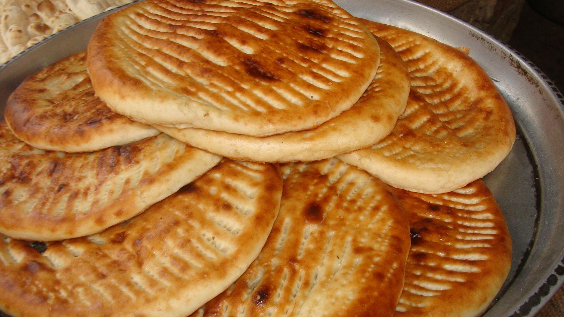 Pakistani Naan | Flat Bread Round World | Pinterest