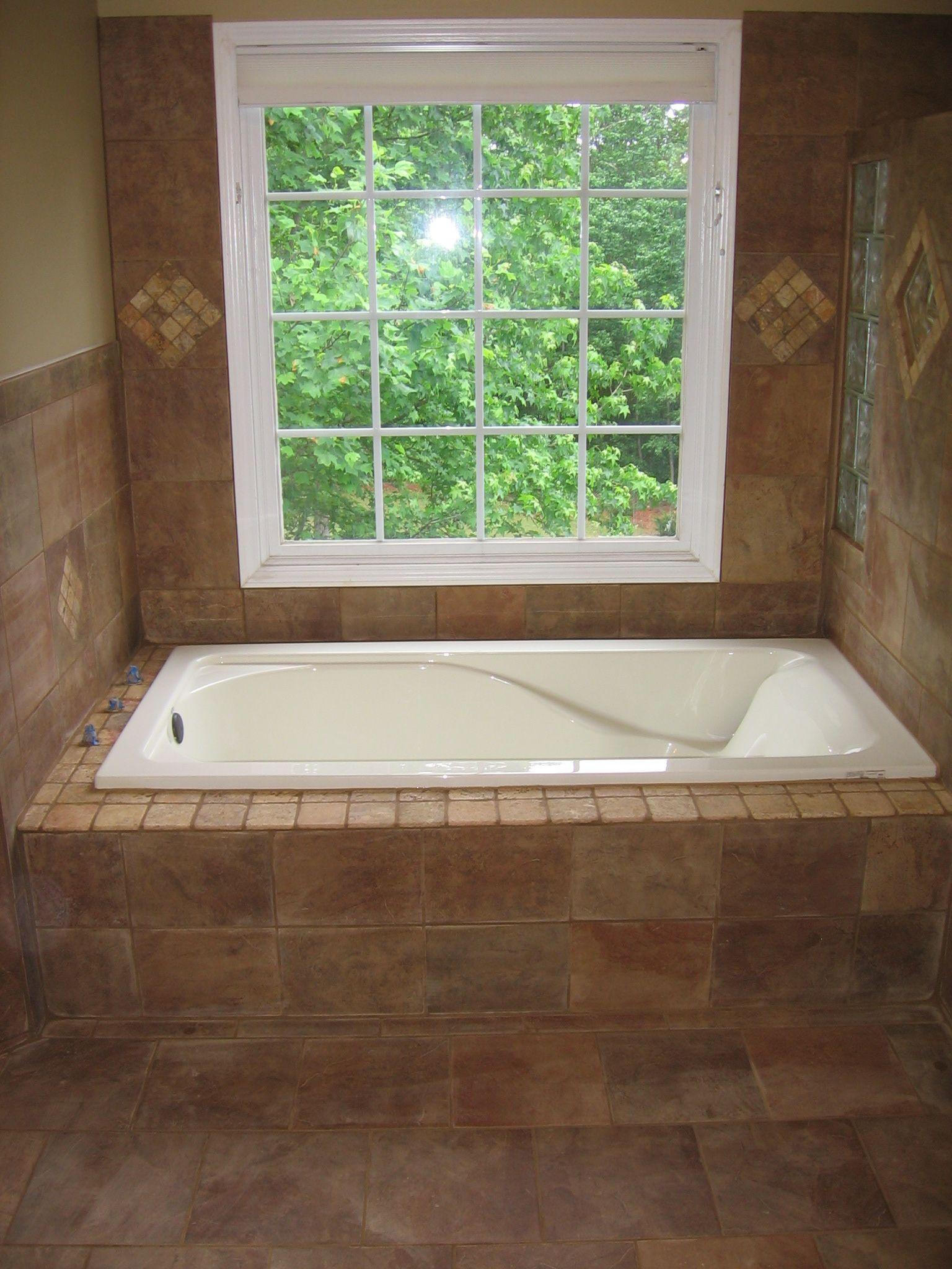 Garden tub enclosure 25 best ideas about tub gazebo for Garden tub vs standard tub