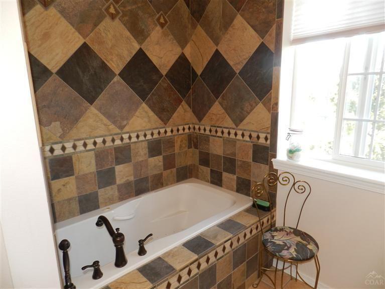 Rustic bathroom tile pattern bathroom ideas pinterest for Rustic bathroom ideas pinterest