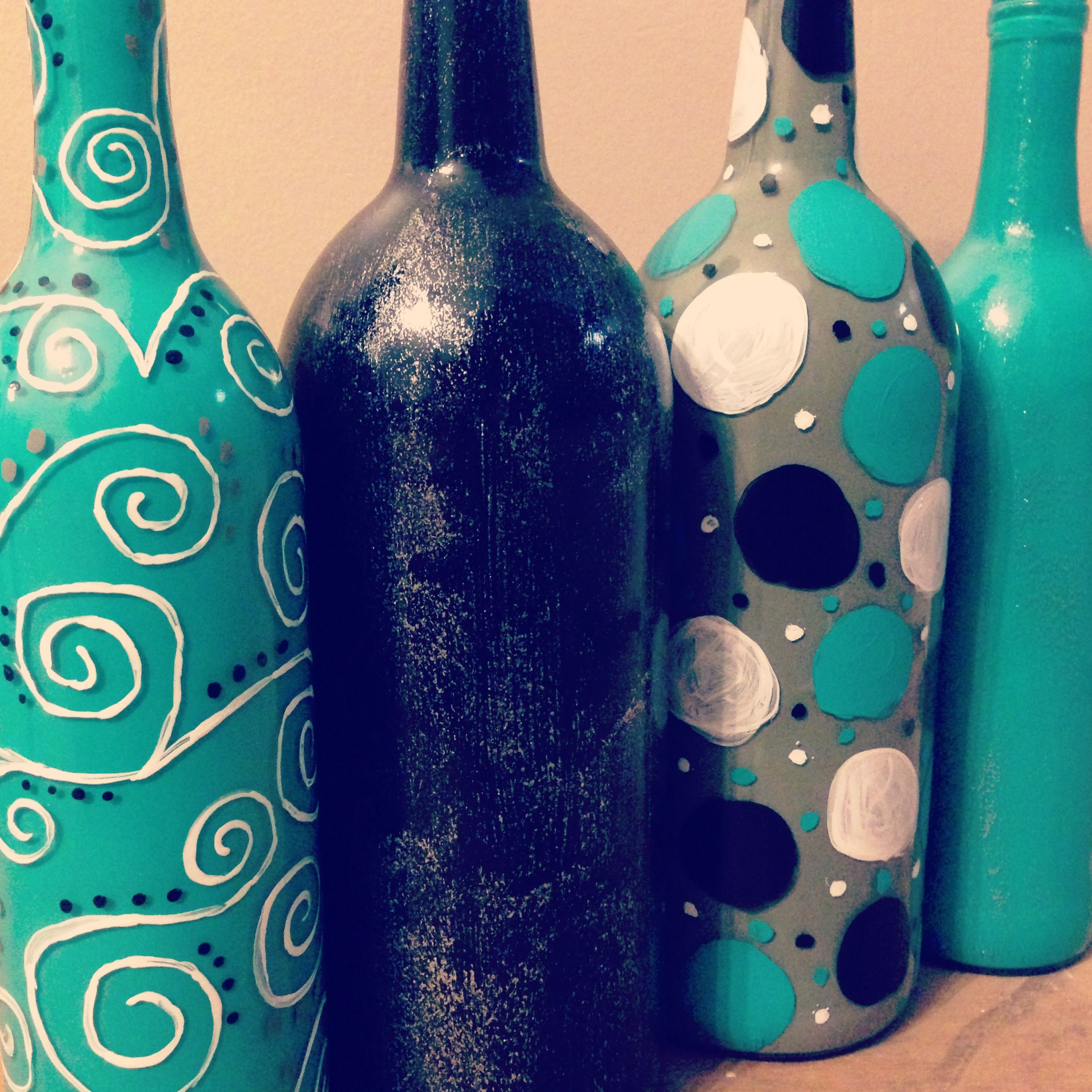 Painted wine bottles recycled wine bottles pinterest for Painted wine bottles