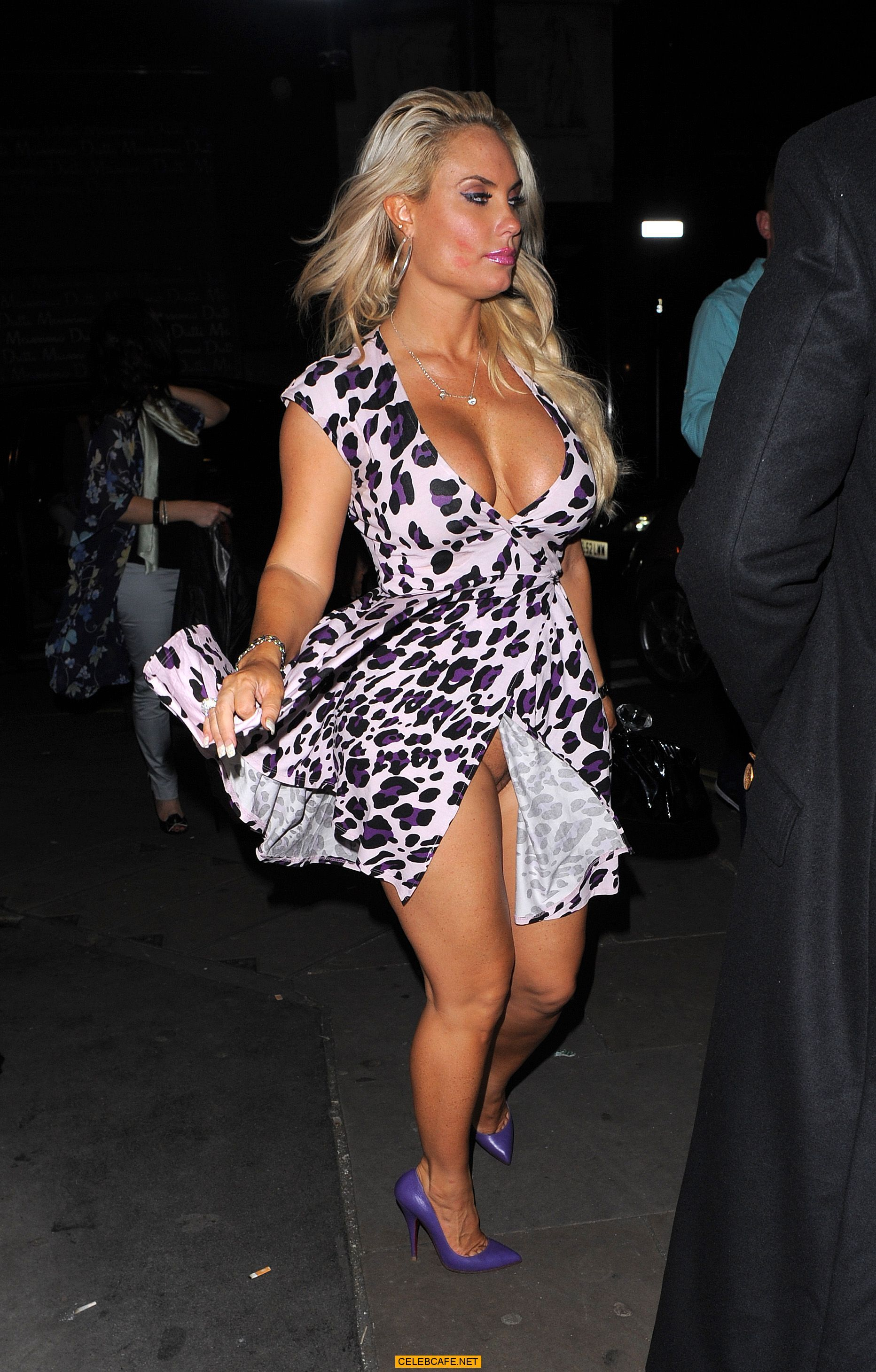 Coco wardrobe malfunction photos Coco Suffers Wardrobe Malfunction at Fashion Week! m