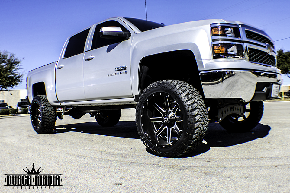 2014 chevy silverado lifted silver galleryhip com the hippest galleries