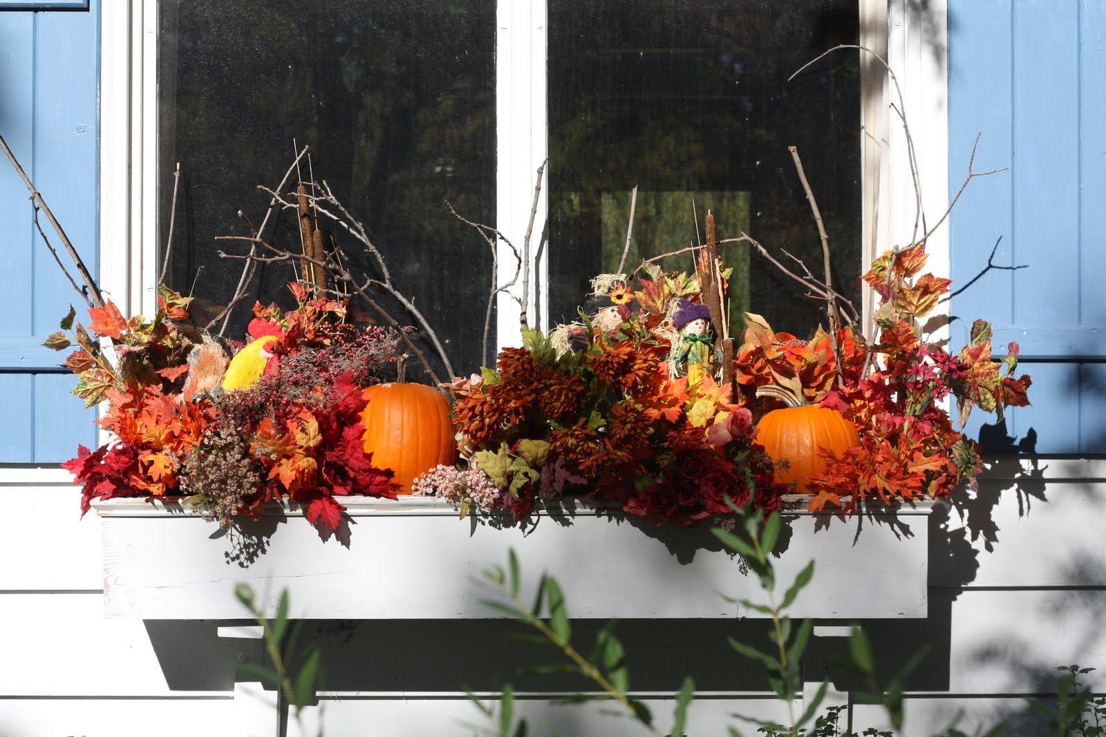Seasonal flower box hearth home pinterest for Autumn window decoration