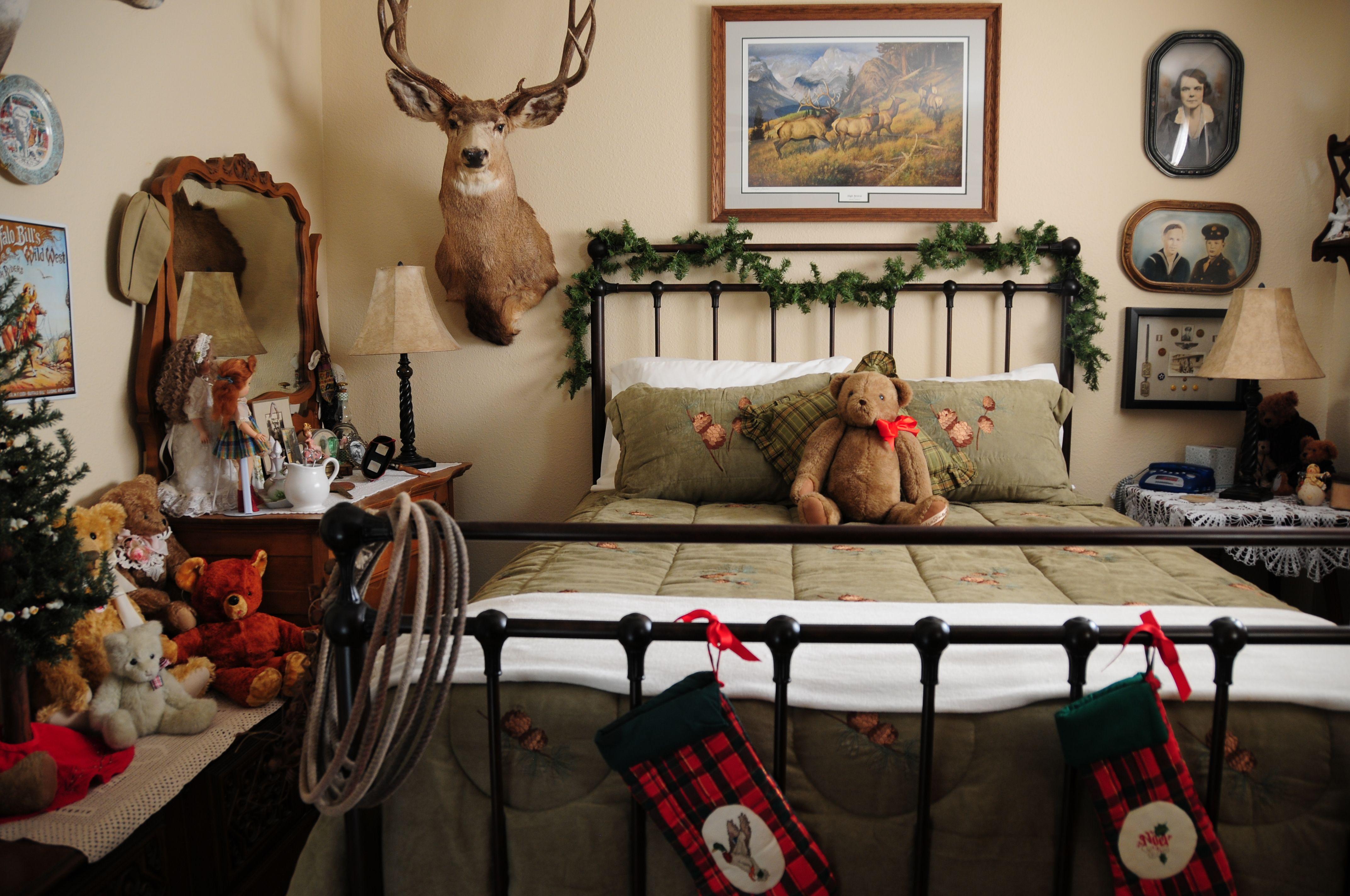 Guest Room At Christmas Decor Ideas Pinterest