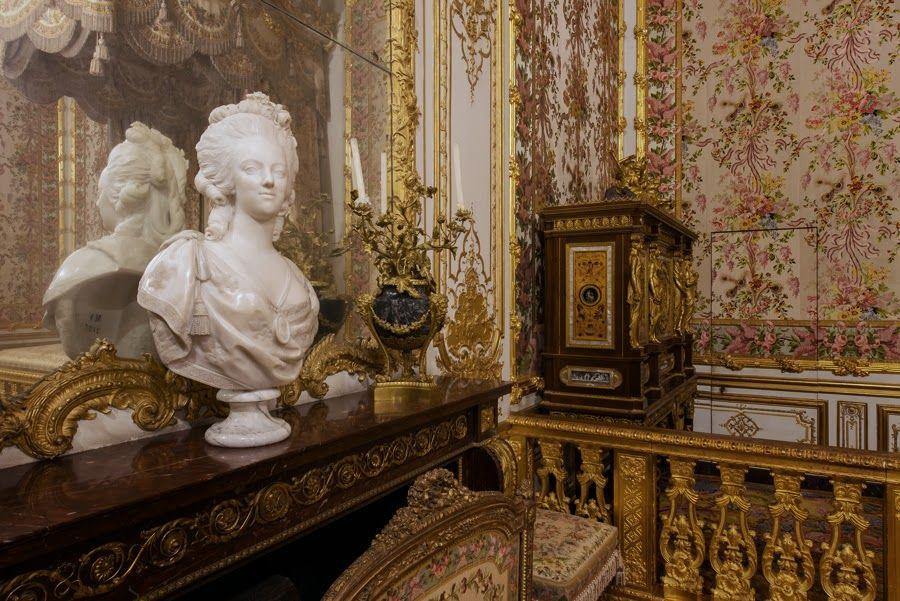 La chambre de la reine versailles la maison des rois for Chambre de la reine versailles