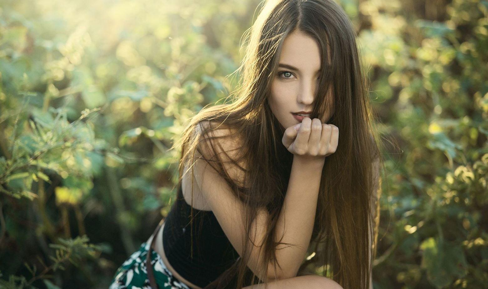 Фото девушка длинными волосами