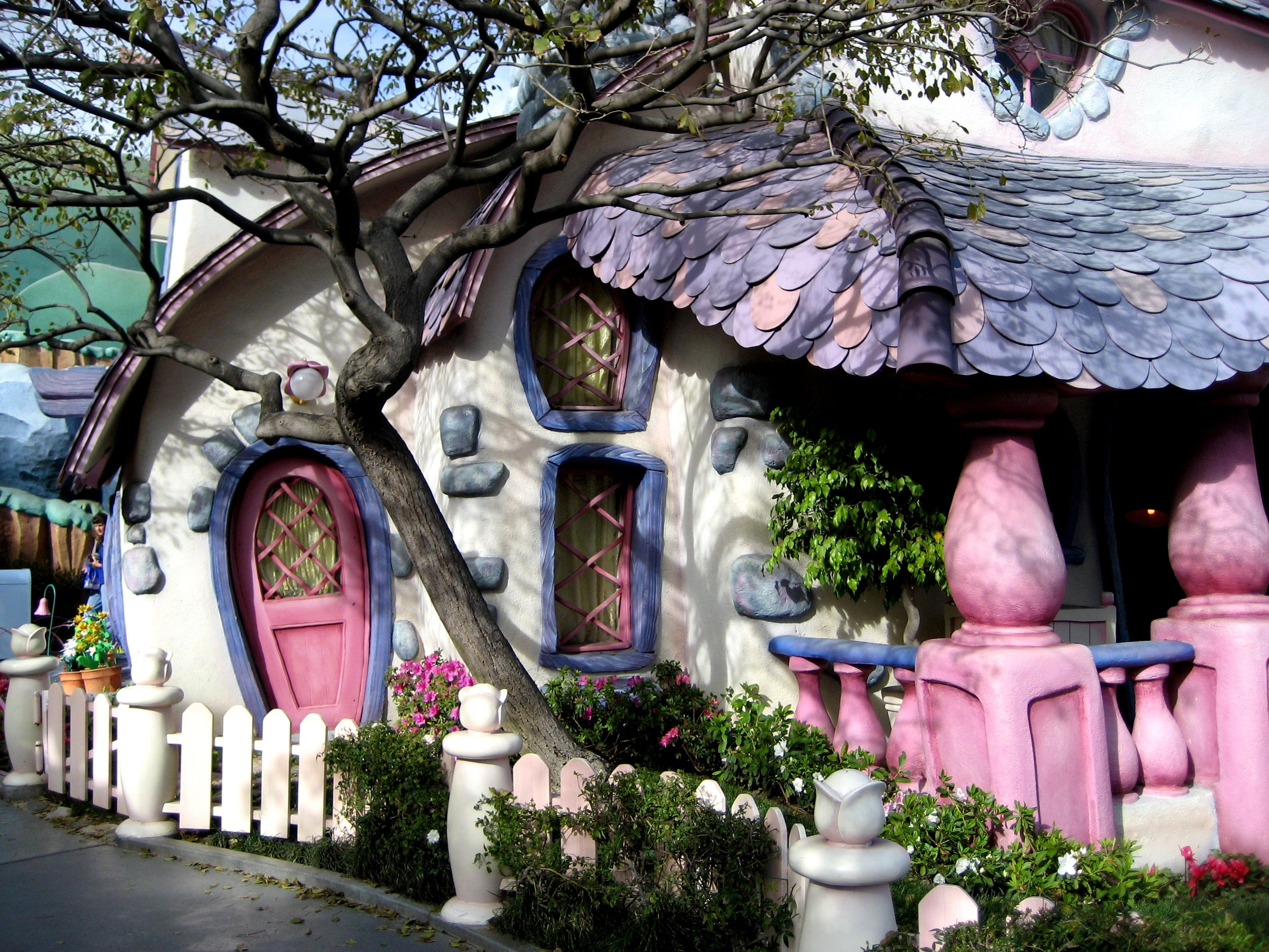 Share for Hobbit style playhouse