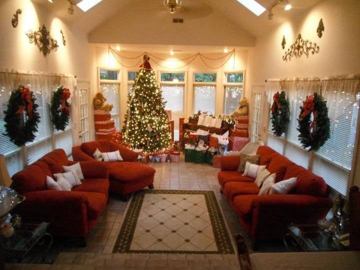 Our sunroom decorated at christmas sunroom decor for Images of decorated sunrooms