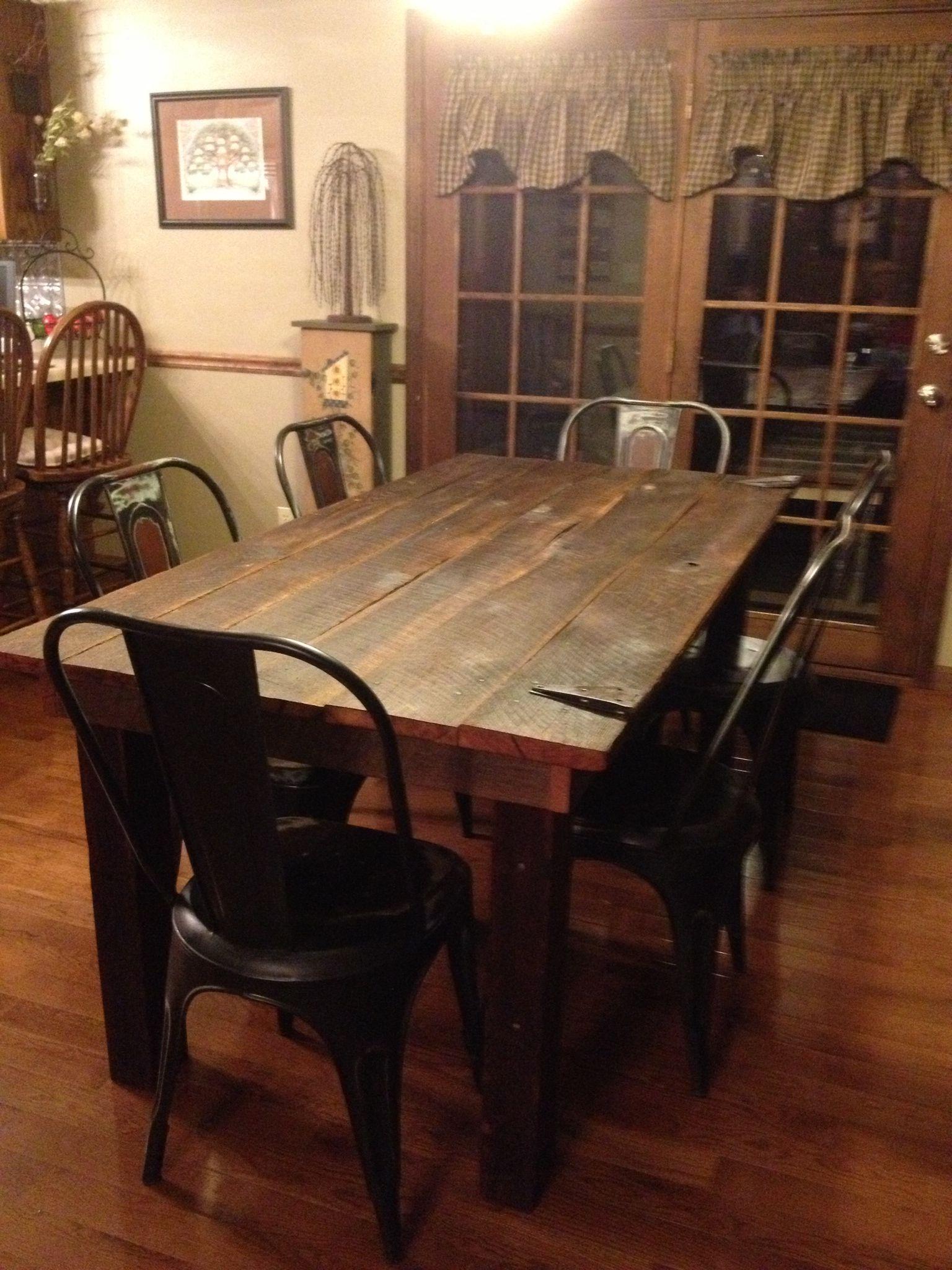 Old barn door dining room table vintage pinterest for Barn door dining room